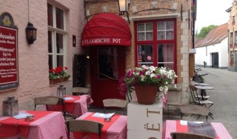 "Restaurant Review: De Vlaamsche Pot – Bruges, Belgium ""Hearty Food, Fantastic Fries"""