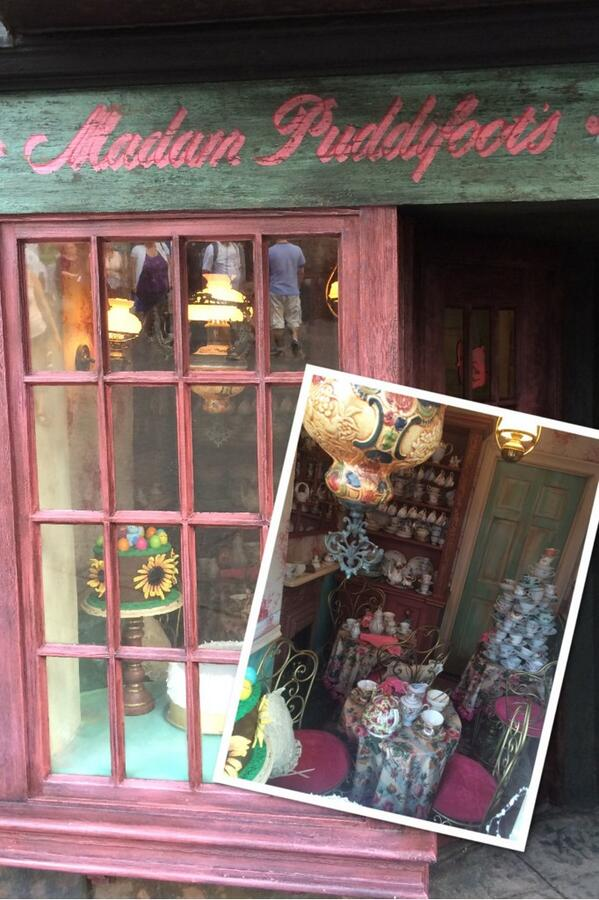 Madam Puddifoots tea shop - wizarding world of harry potter