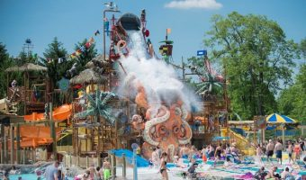 4 Toddler-Friendly Water Parks To Extend Your Summer Vacation Before Back-To-School