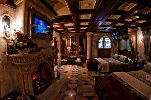 10 disney park secrets tourist meets traveler for Interieur hotel disney