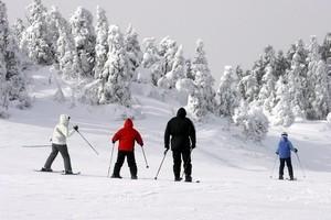 Kids Ski Free: 5 Resorts with Family Perks