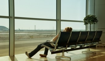 Food To Fight Jet Lag – Snacks to Prevent Motion Sickness and Exhaustion